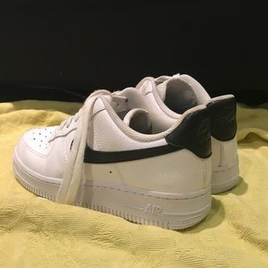 black and white nike air forces